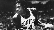 这个巨星永远改变了NBA 40年后他终于入选名人堂
