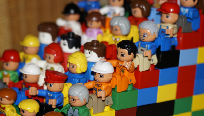 """针对六一,不少商家都在做大力度的玩具促销,目前亚马逊中国开设了"""""""