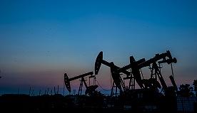 供给依然过剩 原油价格下半年或跌至35美元/桶