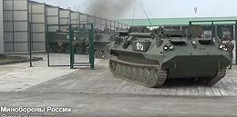 俄罗斯举行大规模临时军演 乌克兰边境俄士兵进入战备状态