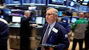 公司业绩超预期提振美股 美元回落油价转跌为升