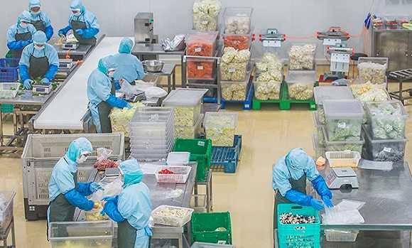 海底撈賣上了半成品菜餚 要把企業客戶和個人消費者「一網打盡」