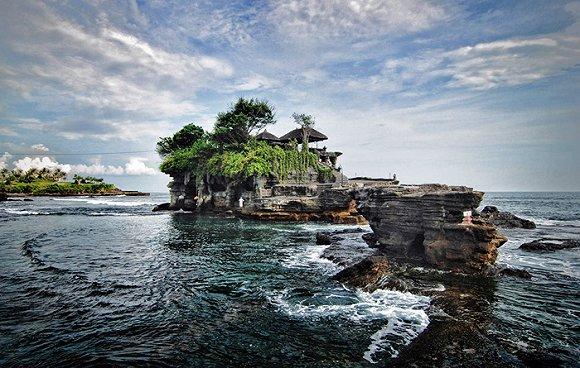 因此也被誉为整个巴厘岛最美的夕阳风景.