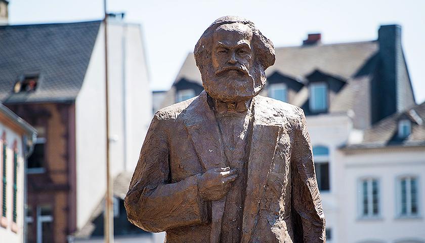 中國贈德馬克思雕像遭人為縱火 當地警方介入調查