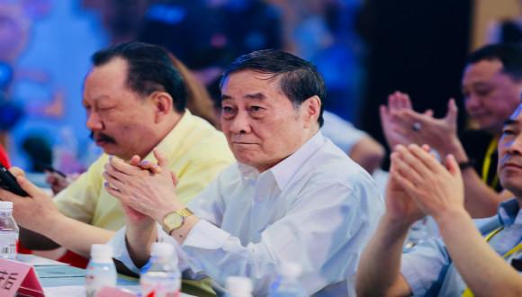 宗庆后在最近的发布会上