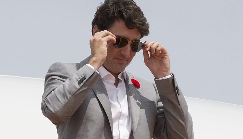 【天下奇聞】加拿大總理獲贈墨鏡沒申報被罰 霸王龍到底會不會吐舌頭?