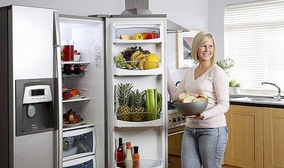 用手触摸冰箱背板的时候,你是否会担心触电的问题?