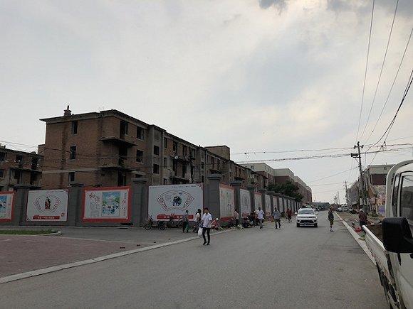 李燕居住的小区。摄影:曾金秋