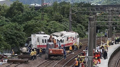 臺鐵出軌事故發生前剎車系統現異常 死亡旅客將先發10萬新臺幣