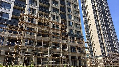 鄭州最大爛尾別墅群復工波折 當地政府部門被指蒙蔽中巡組