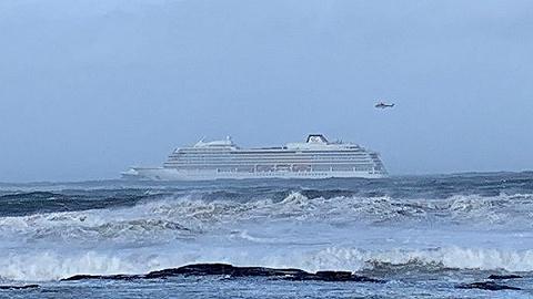 """挪威一郵輪引擎故障數千人被困海面,大風作祟上演真實版""""海盜船"""""""