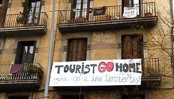 游客为什么总是受嫌弃,这是旅游业本身的问题