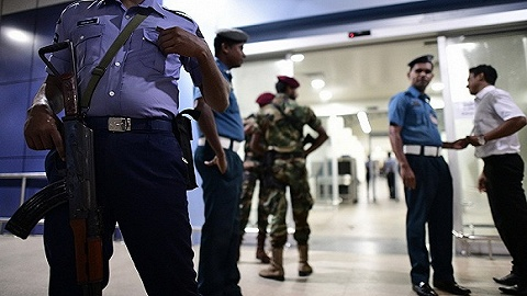 斯里兰卡爆炸案多名嫌犯在逃,袭击者普遍受过良?#23186;?#32946;且经济独立