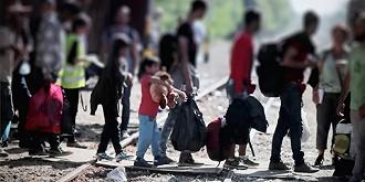 """【边界观察】""""难民""""还是""""移民"""",我们该如何称呼从中东到欧洲的流动人潮"""