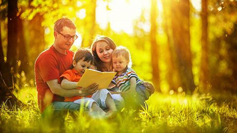 有人放养有人严苛,各国父母的育儿策略为何大不相同?