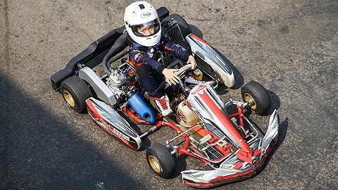 """""""迷你""""賽車手:做一個與速度有關的童年夢"""