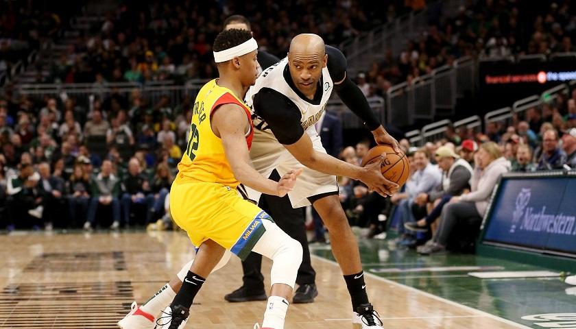 老鹰续约卡特,42岁飞人成NBA首个跨越4个十年的球员 界面新闻 · 体育