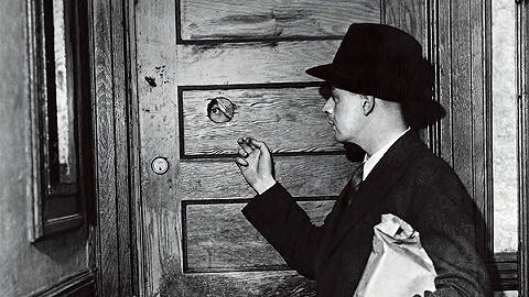 """禁忌體驗:通向地下酒吧的那扇""""門"""""""