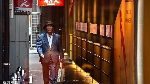 """九成台湾中高龄上班族感到""""职场恐慌"""",乐退指数连续四年不及格"""