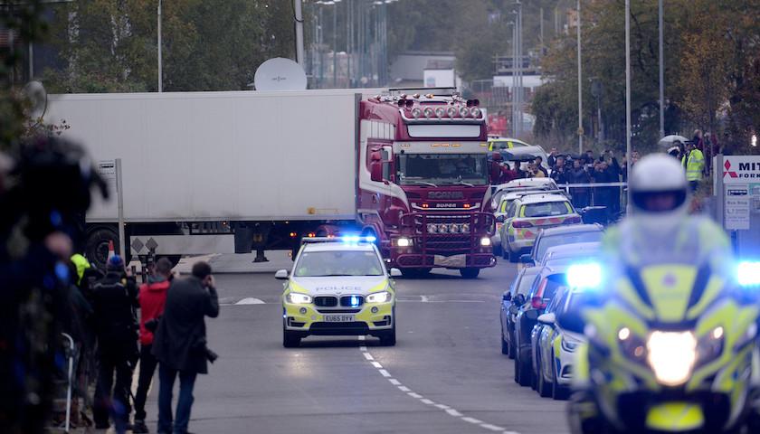 39人惨死冷藏大货车,英国舆论反思移民生存环境|界面新闻·天下