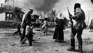 扛起相机,迈入战场:战争中的女性摄影师