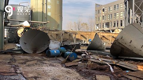 直擊海寧污水罐體倒塌事故:現場一片狼藉,大量污水傾入河道中