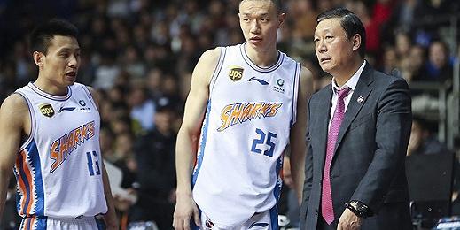 球队六连败跌入困境,上海男篮宣布主帅李秋平下课