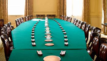 文官政治与行政中立:英国内阁制度运转的秘密