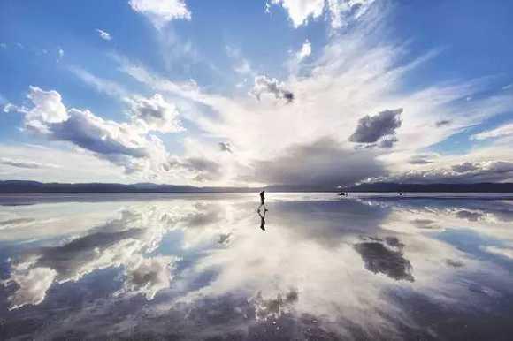 經過天空之境茶卡鹽湖