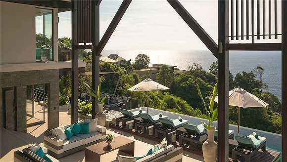 萨米拉别墅地处卡马拉海滩附近的一个庄园内,安全性绝佳,坐享壮丽海景