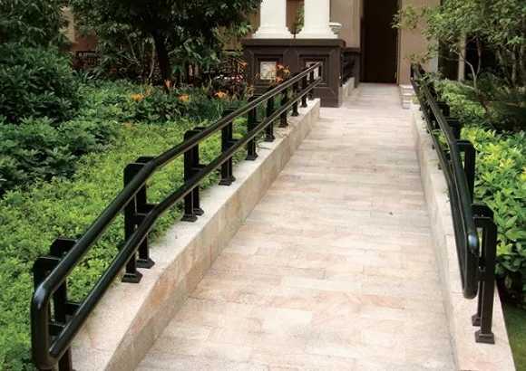 ——国内高端养老机构花园坡道设计 2,散步道路 散步行走的路径要