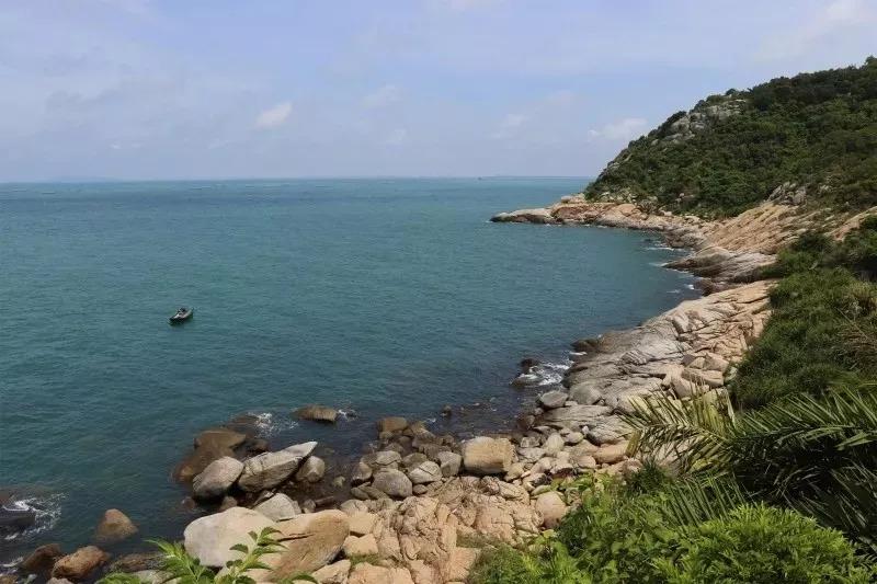 """有""""东方夏威夷""""之称的中国第一滩旅游度假区,拥有全国最长的沿海防护"""