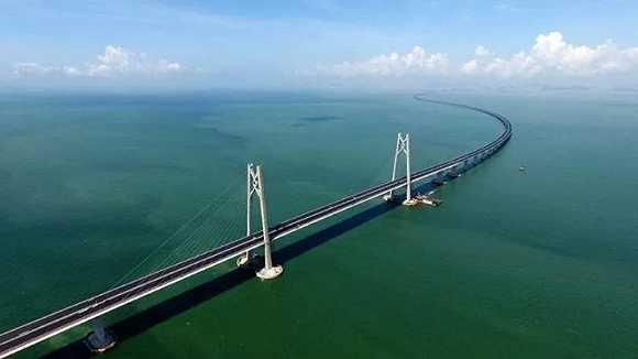 世界最长的港珠澳大桥通车了,你知道它有多厉害吗