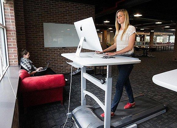 「跑步機辦公桌」的圖片搜尋結果