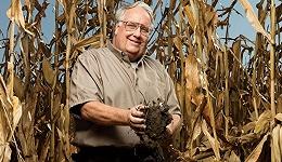 巴菲特长子,不爱财富只爱当农民做慈善