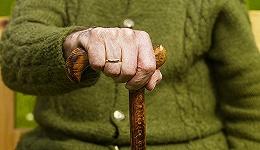 中国到2020年独居和空巢老人将增至1.18亿人左右