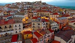 意大利竟又有小城出钱请人来定居啦 这次可是说真的
