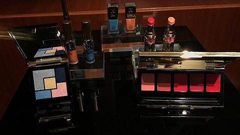 YSL要推出一系列不用卸妆的唇彩 据说涂着睡觉还能美容