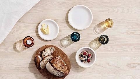 芬兰国宝 Iittala 的新系列,想要打破成套餐具的拘束感