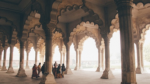 逃跑计划   在印度的古堡、陵墓和庙宇里,藏着的人和事太拥挤