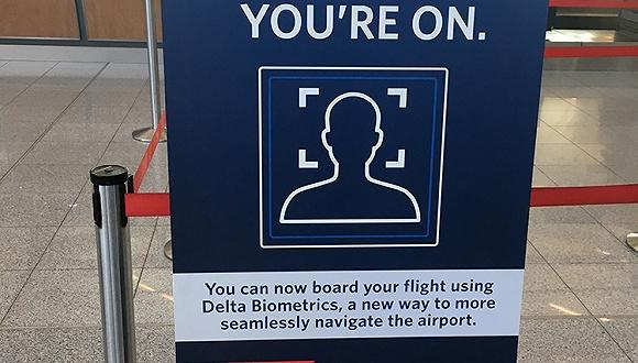"""达美航空启动美国首个生物识别航站楼 """"刷脸""""即可值机登机"""