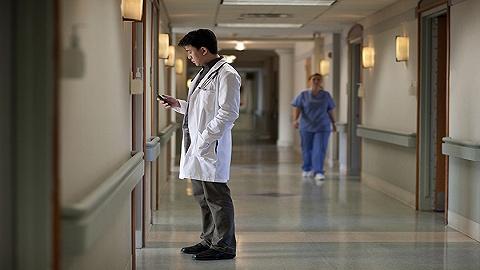 """""""高不可攀""""的美国医学院也有自己的烦恼"""