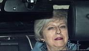 【天下头条】英首相脱欧新方案再次被否 为修边境墙特朗普将宣布美国进入紧急状态