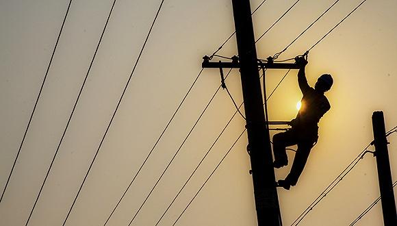国家电网利润总额近五年首次下滑