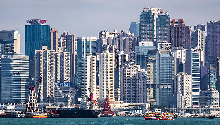 """香港地产与经济的""""荣辱与共"""""""