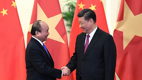 习近?#20132;?#35265;越南政府总理