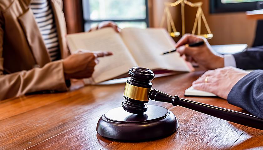 魏银仓提供法律意见书自辩:不构成职务侵占罪
