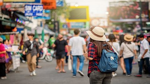 全球千禧一代调查:爱打零工,相比买房更热衷周游世界