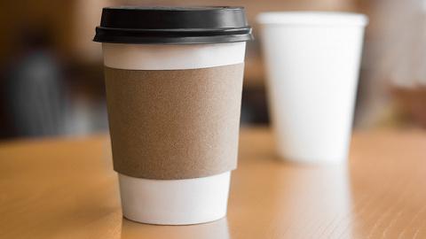 可口可乐也打算收塑料垃圾?餐饮业扎堆用纸餐具,减塑效果真的好吗