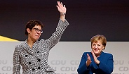 """""""小默克尔""""意外出任德国防长,接班总理再进一步?"""